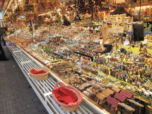 1280px-Shop_of_santons_in_the_Christmas_market_of_Strasbourg